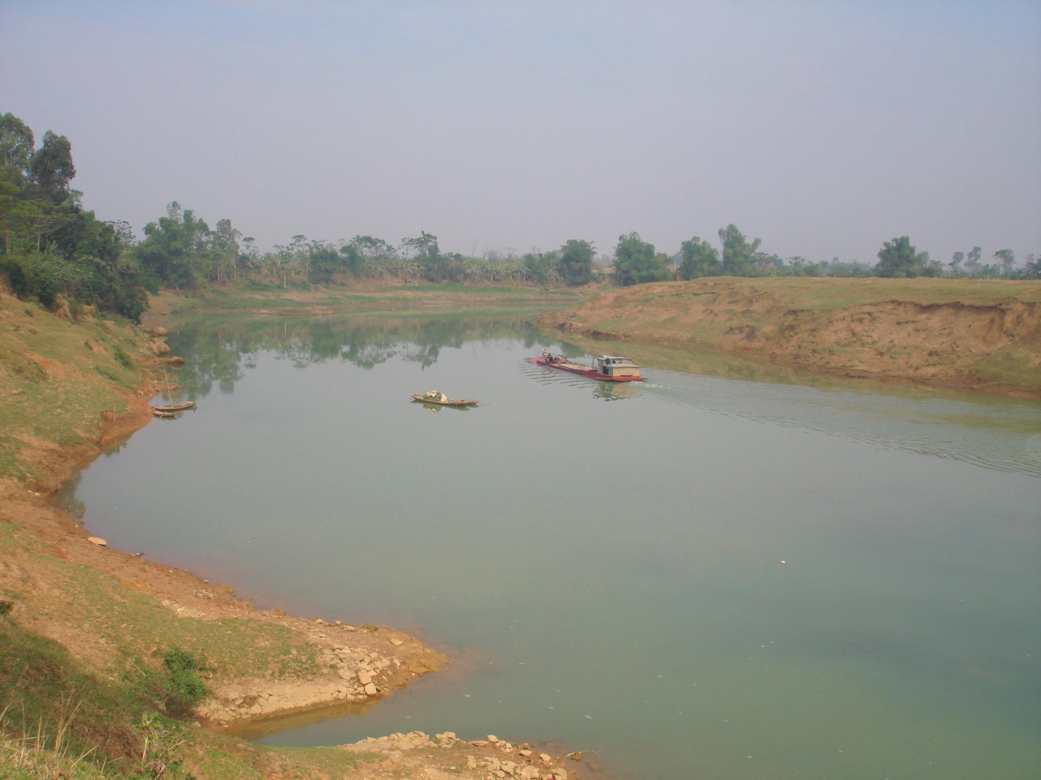 Sông Bưởi (ảnh Nguyễn Xuân Toán)