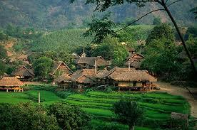 brief introduction to vietnam Vietnamese - introduction, location, language, folklore, religion, major  holidays,  most homes have an altar to the ancestors holding a small vase of  flowers,.